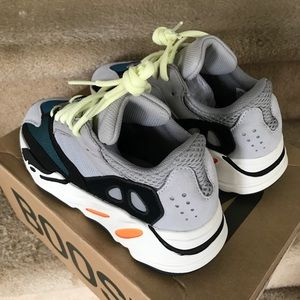 newest bde30 c4467 Adidas Yeezy Boost 700 Wave Runner Size US 5 NWT